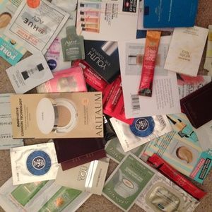 Lot of 20 cosmetics samples high end and drug stor